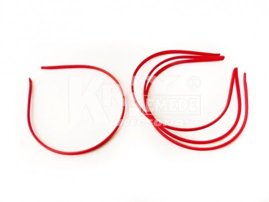 Vincha metálica forrada en seda fría rojo 0.5 cm