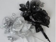 Tocado flor de tul, cinta y purpurina