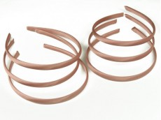 Vincha plástica forrada en raso rosa corea 1 cm
